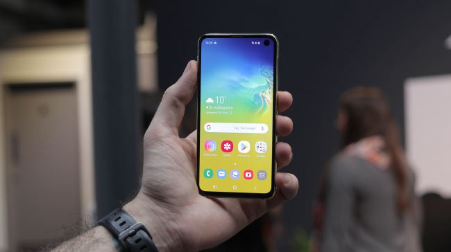 Samsung launches 4 Smartphones of Galaxy S10 label and a Foldable phone.